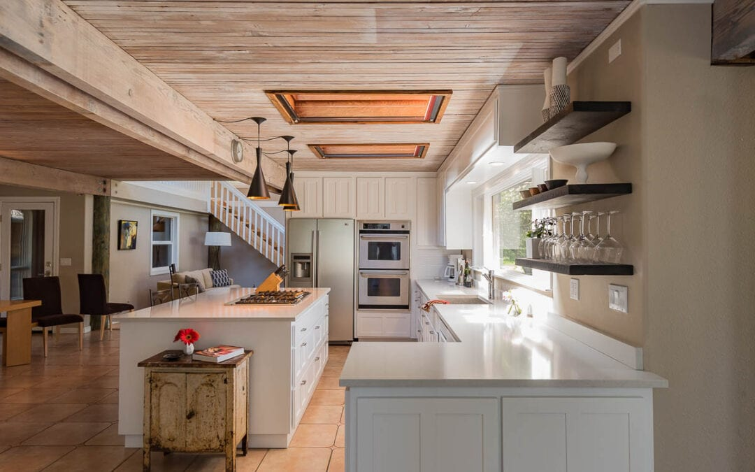 ISLAND STOVE KITCHEN